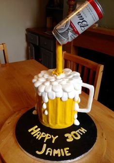 Pastel Chelero para Hombre Beer Can Cakes, Beer Mug Cake, Beer Birthday Party, Dad Birthday Cakes, 21st Birthday, Budweiser Cake, Alcohol Cake, Gravity Cake, Cakes For Men