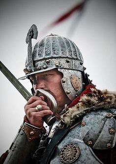 Tabby in Love: Zdjęcie Arm Armor, Knights Templar, Medieval Fantasy, Military Art, Wings, Helmets, Warriors, Cold Steel, 17th Century