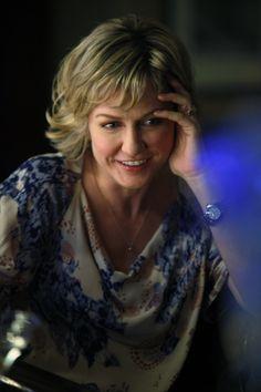 Amy Carlson (Linda Reagan) - Blue Bloods