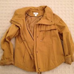 Ann Taylor Loft spring parka Fabulously chic and effortless, this Ann Taylor Loft light weight parka is perfect for Spring. Pair with skinny jeans and a pair of Ray Band / will never go out of style. Worn only once by a model in a commercial. Ann Taylor Jackets & Coats