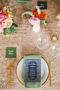 Every little detail of this glamorous Palm Springs Wedding is to-die-for! The wine corks, the sequintheme, the rosemary theme, the pop of color in the bouquets… you name it! Every bit glam, every bit chic. Sara from onelove photography captured every detail so beautifully that I could look at this wedding for days! Don't you […]