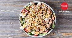 Η σαλάτα του σεφ από τον Άκη Πετρετζίκη. Φτιάξτε εύκολα και γρήγορα την αγαπημένη σας νόστιμη σαλάτα με πράσινα λαχανικά, αλλαντικά, αυγά και φυσικά μαγιονέζα!