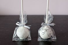 Wedding Favors...seriously, check out this website and see what they do with cake pops. Brandi, this is another one for  you girl.