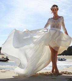 Robe de mariée courte asymétrique manches dentelle - Marie Laporte