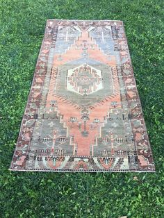 "VINTAGE TURKISH RUG,Unusual Shapes Faded Colors Primitive Carpet Rug 4'1""x8'2"" 
