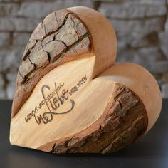 Wanted and found - Connected in - Dremel Projects Ideas Valentines Decoration, Wood Projects, Woodworking Projects, Kids Wood, Wood Gifts, Wooden Decor, Valentine Heart, Pyrography, Wood Design
