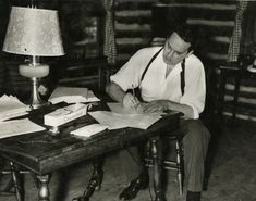 Thomas Wolfe during his visit back to Asheville in May, 1937