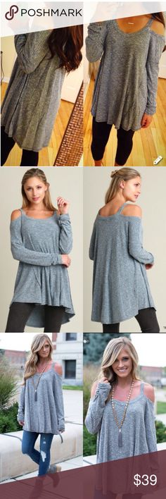 ❤️LAST❤️ Teal Loose Tunic Top Open Shoulder Gorgeous color and gorgeous top for this fall! Brand new and available in S M L. Runs true to women's sizes and is oversized, so if in between sizes, you can size down. And the L can also fit XL. Tops Blouses