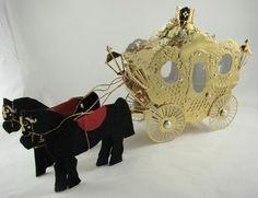 Artesanias Kartenzauber: Eine goldene Kutsche für den neuen König