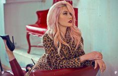 Katherine McNamara sexy in a leopard print jacket with tight pants and stilettos Katherine Mcnamara, Kat Mcnamara, Pretty Redhead, Tree Woman, Dye My Hair, Cute Beauty, Hollywood Celebrities, Female Celebrities, Hollywood Actresses
