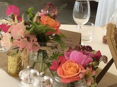 floral design and table styling by Green and Pip #MissPiggyroses #Maywedding