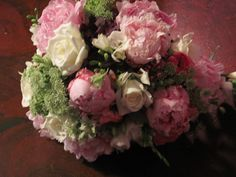 pink peonys, pink ranunculas, queen anna lace