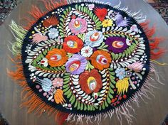 "Fabulous c1915 Art Nouveau, Arts & Crafts Embroidered ""Matyo"" Table Topper Folk Art, Hungarian Embroidery, Folk Fashion, Table Toppers, Table Linens, Embroidery Stitches, Art Nouveau, Arts And Crafts, Pottery"