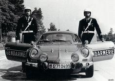 Les célèbres Alpine A110 de la gendarmerie française(copyright archives…