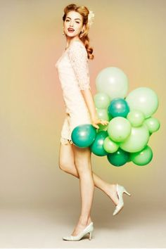 I want to host a party carrying these balloons around with me...looking this fab.