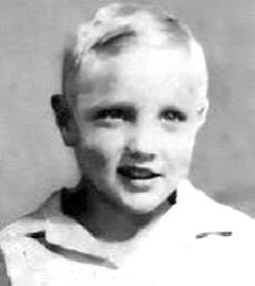 Childhood Elvis. Even as a young child, he still had the lip thing going on!
