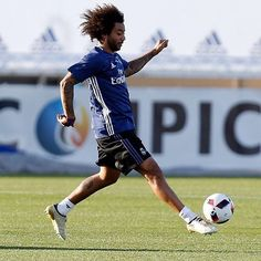Marcelo Vieira Jr. @marcelotwelve: #M12 Instagram And Snapchat, Jr, Running, Celebrities, Sports, Scallops, Hs Sports, Celebs, Keep Running
