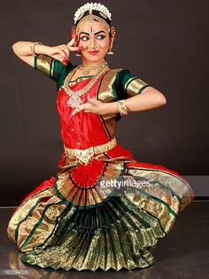 Belly Dancer Costumes, Dance Costumes, Shiva, Indian Classical Dance, Dance Paintings, Dance Poses, Indian Folk Art, Dance Fashion, Dance Pictures