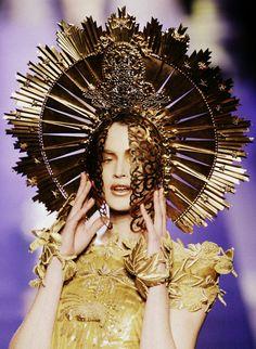 Jean Paul Gaultier haute couture s/s 2007 Jean Paul Gaultier, La Madone, Star Wars Personajes, Saab, Zuhair Murad, Our Lady, Madame, Headdress, Gold Headpiece