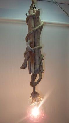φωτιστικό οροφής απο θαλασσόξυλα και σχοινί .....FB..Driftwood art.Τεχνης Θαλασσοξυλα