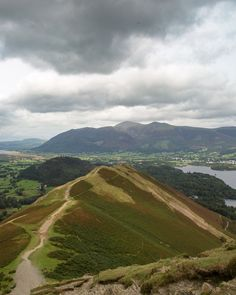 It's easy to see why Catbells is one of the most popular walks in the Lake District. With stunning views and an epic ridge line all condensed into a few hours adventure, it's a must for your Lakes itinerary. Cool Places To Visit, Great Places, Places To Go, Zion National Park, National Parks, Lake District Walks, Swallows And Amazons, Best Hikes, English Countryside