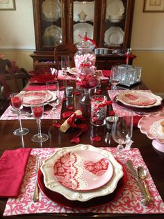 Cute Valentine Dining Tables Decoration Ideas 48
