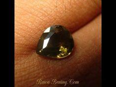 Batu Mulia Zircon Asli Tetes Air Coklat Kekuningan 2.61 carat