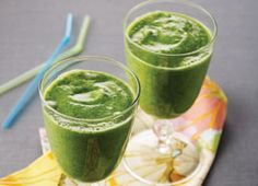 Superwoman Smoothie  2 cups (500 mL) frozen spinach broken into pieces (using frozen makes it frothier than fresh spinach does)  2 bananas  1 cup (250 mL) apple juice