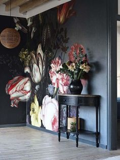 Not For Shrinking Violets: Where to Buy Big, Beautiful, Dramatic Floral Wallpapers