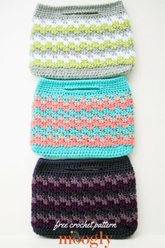 Mesmerizing Mini Bag: Get whatever look your heart (or your outfit!) desires with this FREE crochet pattern on Mooglyblog.com! These whip up so fast and are so fun to make, you'll end up crocheting one to match every outfit!