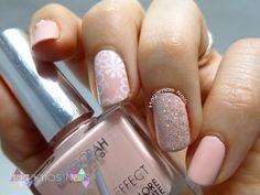 Nail Art Rosa Palo Estampado Nail Art Rosa, Nail Polish, Nails, Beauty, Work Nails, Pastel Pink, Rome, Pink Nail, Nailed It