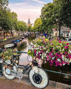 This pretty unique bike just caught our attention! Do you know that Amsterdam is one of the most bike-friendly cities in the world? 🚲 Photo by: Arden NL Visit Amsterdam, Amsterdam City, Amsterdam Travel, Amsterdam Netherlands, Paris Travel, Amsterdam Attractions, Dam Square, Road Trip, Destinations