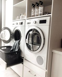 Excellent simple ideas for your inspiration Modern Laundry Rooms, Laundry Room Layouts, Laundry Room Shelves, Laundry Room Organization, Laundry Room Design, Garage Laundry, Parents Room, Room Closet, New Home Designs