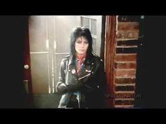 Joan Jett - I love Rock N Roll - 1982 - YouTube