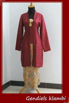 Rosankiki in her traditional attire.