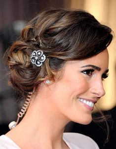 Indian Wedding Hairstyles for Medium Length Hair to Adorn Wedding Day-  Hair in mid length can have new height with elegant, sassy, and fabulous updos. If you need hairstyles inspiration especially for you who have medium ...