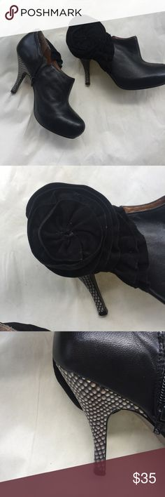 Poetic License Black Leather Booties Suede Flower EUC. Gorgeous leather booties with side zipper. Gorgeous suede flower on the outside of each boot and a really nice printed heel! Slight Platform offsets heel height for a little bit more comfort! Super cute and sleek.   🌟same or next day shipping on all orders (except weekends)🌟make me an offer!🌟 Poetic License Shoes Ankle Boots & Booties