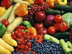Cheapest Fruits and Vegetables by Month-  perfect for college students who want to eat healthy on a budget.