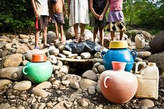 Collecting water in El Salvador. http://www.water.cc/  #reachculture #timberlinemissions