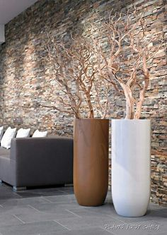 Decoration branches in beautiful large pots Deco Cool, Branch Decor, Interior Decorating, Interior Design, Vases Decor, Contemporary, Modern, Home Crafts, Planting Flowers