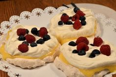 Mini Pavlova, Reis Krispies, Sweet Pastries, Fika, Cheesecake, Dessert Recipes, Sweets, Yummy Yummy, Cakes