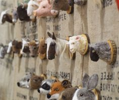 posted by the Yarn Harlot - seen at the Twist Festival Needle Felted Animals, Felt Animals, 3d Figures, Felted Wool Crafts, Needle Felting Tutorials, Faux Taxidermy, Idee Diy, Animal Heads, Felt Hearts