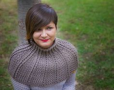 Crochet Capelet, Crochet Cowl, Gift for Her, Crochet Shawl, Crochet Shoulder Wrap, Christmas Gift, Short knitted capelet, Women Capelet