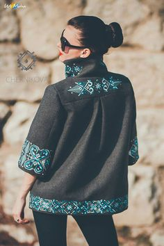 Love this jacket! Ethnic Fashion, Look Fashion, Fashion Details, Hijab Fashion, Fashion Outfits, Womens Fashion, Fashion Design, Embroidery On Clothes, Embroidered Clothes