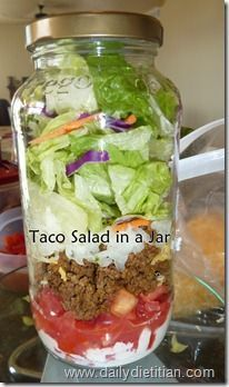 """""""Taco night Leftovers converted to jar salad"""" . and why does it need to be in a jar? Lunch Snacks, Lunch Recipes, Mexican Food Recipes, Cooking Recipes, Healthy Recipes, Jar Recipes, Work Lunches, Healthy Lunches, Mason Jar Lunch"""
