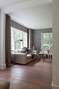 Would completely love this room if all the walls were white. That wood is great