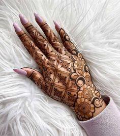 Pretty Henna Designs, Modern Henna Designs, Indian Henna Designs, Floral Henna Designs, Latest Henna Designs, Henna Tattoo Designs Simple, Finger Henna Designs, Basic Mehndi Designs, Back Hand Mehndi Designs