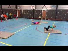Leuke gymles. De kinderen vonden het geweldig! Sports Activities For Kids, Pe Activities, Kids Sports, Kids Gym, Yoga For Kids, Exercise For Kids, School Bo, School Sports, Partner Yoga