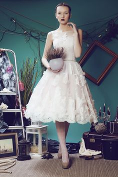 Boat Neck Sleeveless Knee Length Wedding Dress