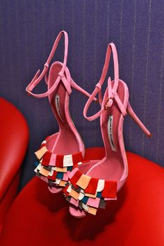 Manolo Blahnik colorful pink sandals: Spring/Summer 2014 Ready-to-Wear Hot Shoes, Crazy Shoes, Me Too Shoes, Women's Shoes, Jimmy Choo, Pretty Shoes, Beautiful Shoes, Spring Sandals, Manolo Blahnik Heels
